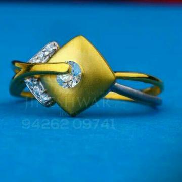 916 Fancy Singal Stone Cz ladies Ring LRG -0712