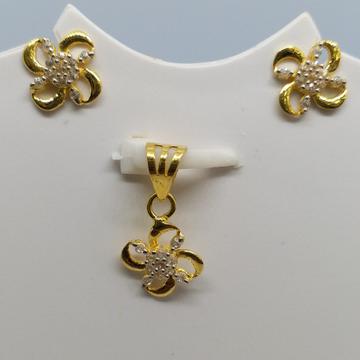 18 kt gold pendant set by Zaverat