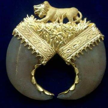 916 Gold Designer Vagh Nakh Artificial Pendant