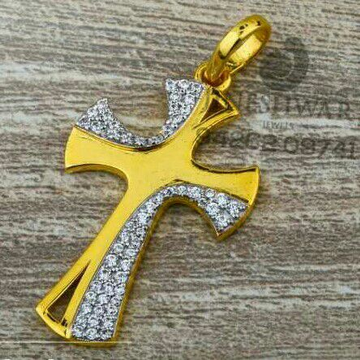 916 Fancy Attractive Cz Gold Cross Pendant
