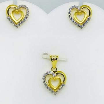 916 gold heart shape pendant set by