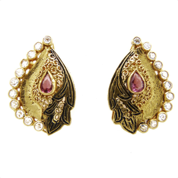 22K Gold  Antique Earring by
