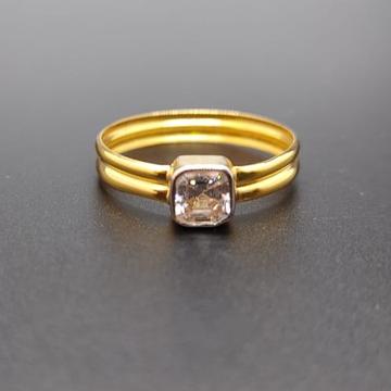 18 ct. gold ring single squre white diamond