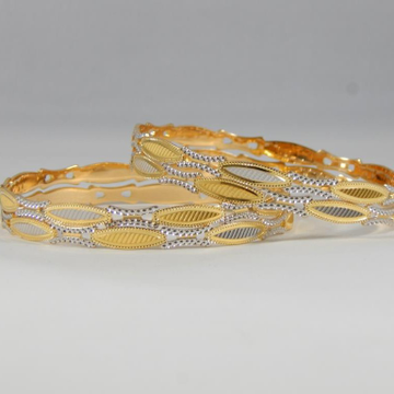 22Kt Yellow Gold Olivia Bangles For Women