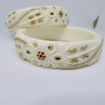 22kt Carving Antique Plastic bangle by