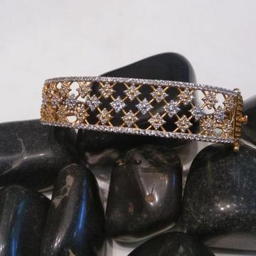 916 Gold Hallmark Everstylish Design Bracelet by