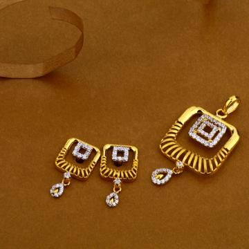 22Kt Gold Hallmark Fancy Ladies Pendant Set FSP52