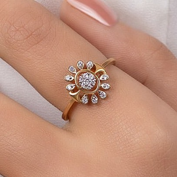 22 ct gold ring in flower shape