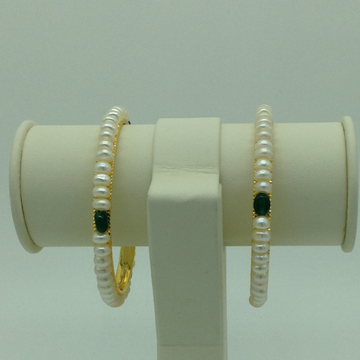 White Flat Pearls And Green Semi Bangles JBG0081