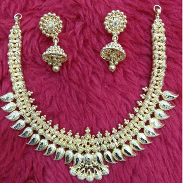 Gold Fancy Necklace Set Buti by