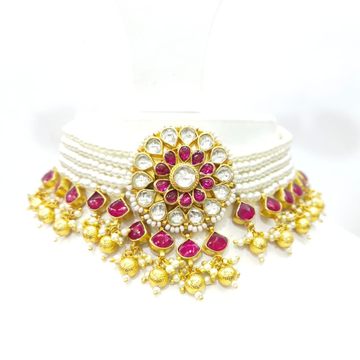White string mala with full choker with flower style desgin with hanging gold plated stone 1579