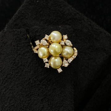 Pearl diamond ring by