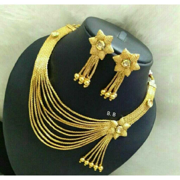 22kt Gold Exclusive Necklace Set