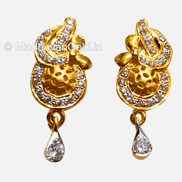 916 Modern Gold Diamond Earrings
