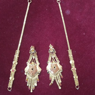22KT gold Delicate Earring with earchain  by Samanta Alok Nepal