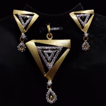 916 Gold 22kt Diamond  Pendal Butti Set RH-PSET03