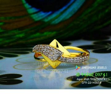 Attractive Gold Cz Fancy Ladies Ring LRG -0346