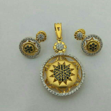 Attractive fancy Sun Designer pendant set 22kt