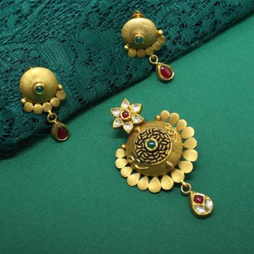 22KT hallmarked Everstylish pendant set for women by Simandhar Jewellers