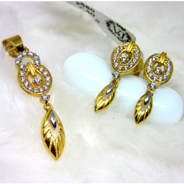 Gold hm916 pendant set