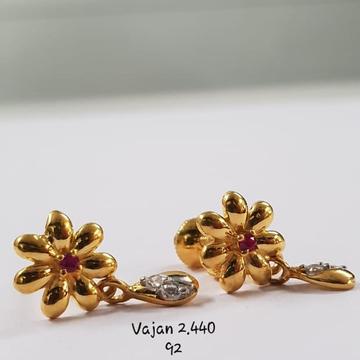22Kt Gold Flower design single Ruby  Stone plan Earrings For Women