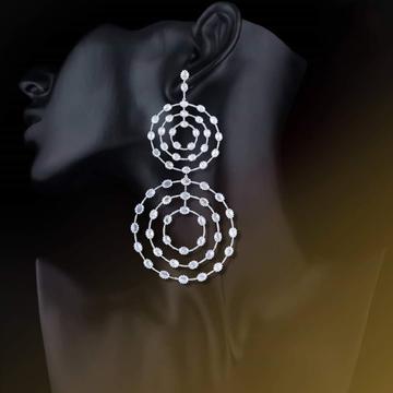 18KT White Gold Irrelevant Iconic Stylish Earring For Women