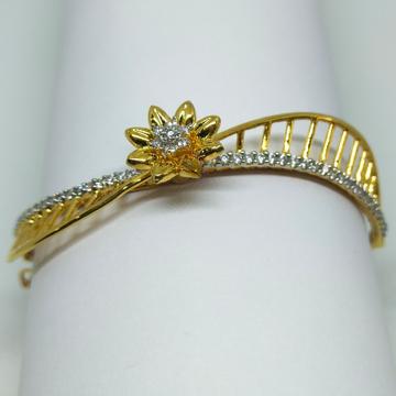 22K flower shape twisted design bracelet