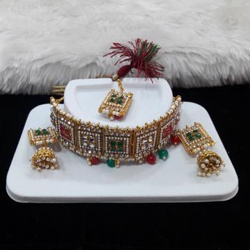 Fancy diamond necklace set by