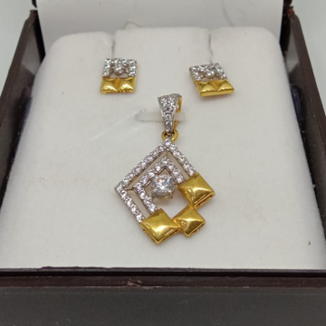 22Kt Gold CZ Pendant Set MJ-P004