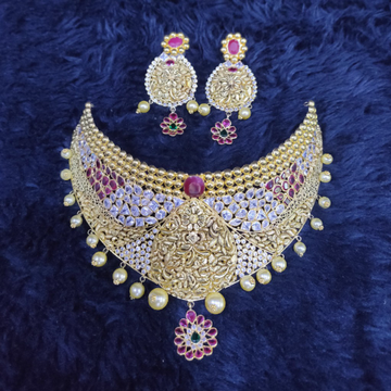 18KT/750 Fancy Antique Romini Choker Set