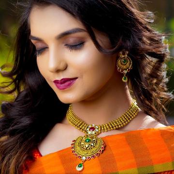 22KT Gold Chand Shape Judter Set With Multiple Kundan Colours