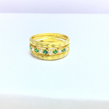 designing fancy ladies gold ring