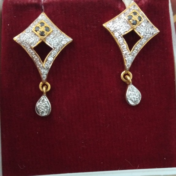 916 Gold hallmarked Earring KL8038