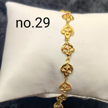 22 kt gold casting ladis braclate by Aaj Gold Palace