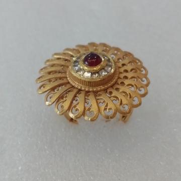 916 gold antique jadtar round shape red stone ladies ring by Vinayak Gold