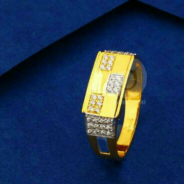 22ct Yallow Gold Cz Gents Ring