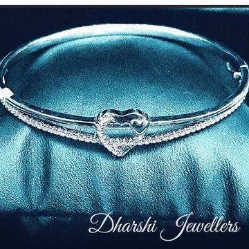 Silver Heart Bracelate