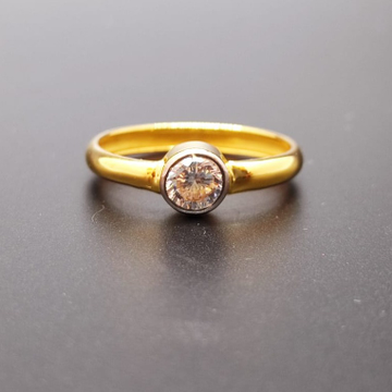 18 ct. gold ring single round diaomond
