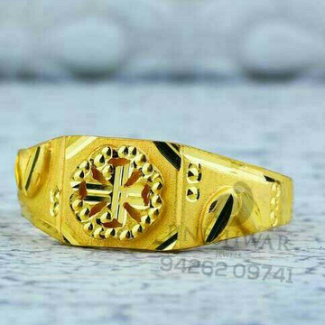 Fancy Gold Shiner Gents Ring