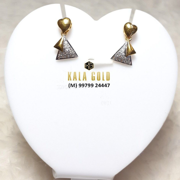 916 Fancy Earring With Stylish Latkan