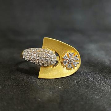 22k Ladies Fashionable Gold Ring-17023