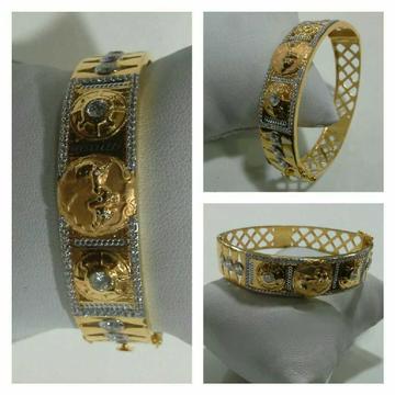 916 Gents Fancy Gold Kada G-3419