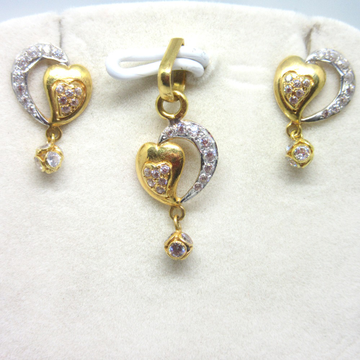 916 Gold pendant set
