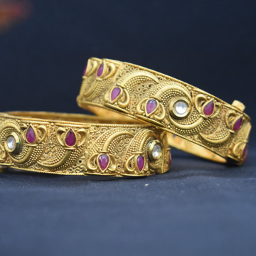 916 Gold Antique Bangles by