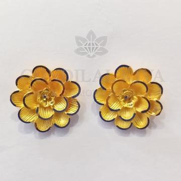 22kt gold floral studs