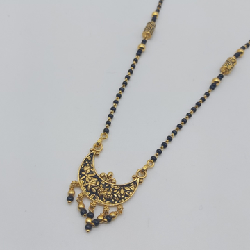 Gold single line delicate short mangalsutra in ant... by