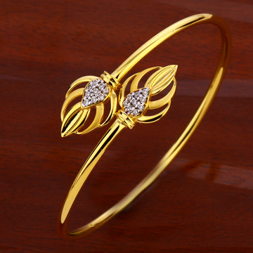 18CT CZ Ladies Gorgeous  Kada Bracelet LKB176
