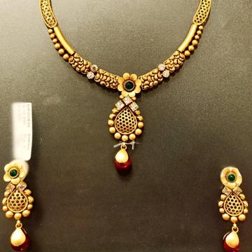 antique set by Kundan