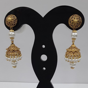 22KT Yellow Gold Regal Feather Pearl Earrings For Women
