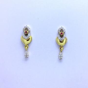 designing fancy heart gold earrings by